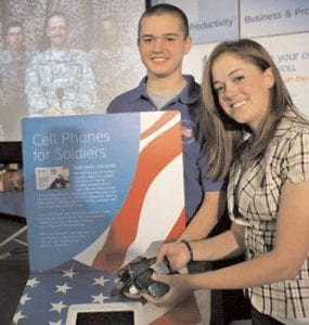 Brittany and Robbie Bergquist have teamed up with AT&T to provide prepaid calling cards for U.S. troops serving in Kuwait, Afghanistan and Iraq.