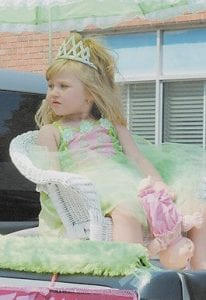 Wee Miss East Kentucky Emily Grace Evans was riding in style.