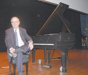 Acclaimed pianist Richard Glazier sat beside the Steinway