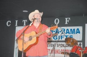 """Country musician Daryle Singletary entertained the crowd attending the Riverside Days festival at River Park in Whitesburg on Saturday night. Singletary, 39, of Cairo, Georgia, began his career as a roadie for Tanya Tucker and released his debut album in 1995, which included his first single, """"I'm Living Up to Her Low Expectations."""" He later had two No. 2 hits, """"I Let Her Lie"""" and """"Amen Kind of Love."""" Singletary's latest single is """"Love You With the Lights On."""""""
