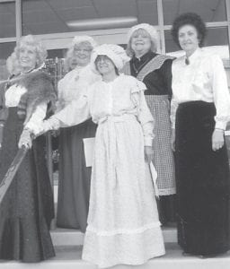 — The Pine Mountain Chapter of the Daughters of the American Revolution celebrated Constitution Day on Sept. 17 in front of the Letcher County Courthouse. Entertainment was provided by the Cowan Music School Quartet. The refreshments served were old-fashioned gingerbread, hot tea and RC Colas. Attendees recited the Pledge of Allegiance, and sang the National Anthem and other patriotic songs.