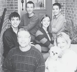 Pictured are Bobby and Melissa Roe and children Justin, Chelsea, Ryan and James.