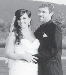 — Jonathan and Kayln Parsons were married September 28 at the Jenkins Golf Course. He is the son of Henrietta and James McFarland of Whitesburg. She is the daughter of Debra and Chris Crubba of Partridge.