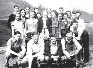 In the Whitesburg High School 1940 chemistry class were (front row, left to right) Steve Edgar Blair, Finley Noble, Harold Fields, Jack Swisher, (second row) Viola Waddell, Irene Hall, Emma Hart, Loretta Coldiron, Edward Smith, Jack Passmore, (third row) Juanita Mullins, Velma Sturgill, Juanita Gish, Edra Amburgey, Edison Banks, Buryl Holbrook, (fourth row) Bradley Blair, Lawrence Brown, Casie Amburgey, Kathryn Webb and Burchel Cornett.
