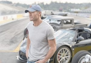 """This image released by National Geographic Channel shows Tim McGraw in the film """"Breaking Barriers,"""" about all the men who have tried to break the land speed record. The film opened in New York and will air May 7 on the National Geographic Channel. (AP photo courtesy of MediaCom Entertainment)"""