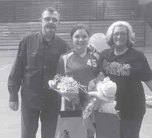 Keiley Bentley with her parents, Keith and Tonya Bentley.