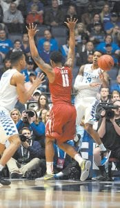 """ULIS IS BETTER THAN SOME THOUGHT — Sporting News columnist Mike DeCourcy never thought Tyler Ulis could be such an """"imposing leader"""" at UK and says there's no question he will play in the NBA. (Photo by Vicky Graff )"""