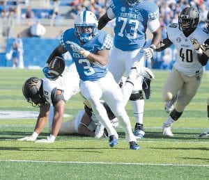 Kentucky coach Mark Stoops appreciates the way senior Jojo Kemp accepted his role and became a team leader. (Vicky Graff Photo)