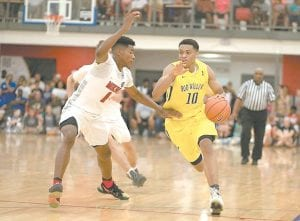 Keldon Johnson, right, is one of seven McDonald's All-Americans on the Kentucky roster. (Oak Hill Photo)